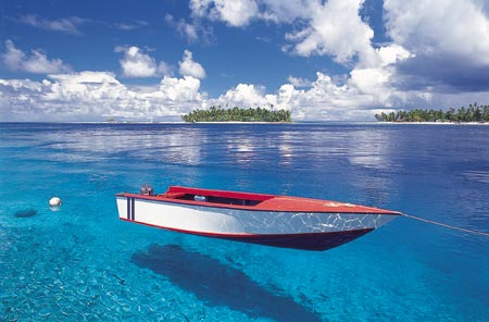 tahiti-boat-inwater